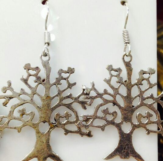earring-tree